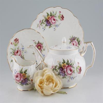 AYNSLEY ELIZABETH ROSE DINNERWARE