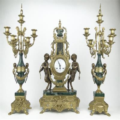 GARNITURE SET  ANTIQUES